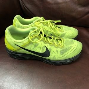 Used Men's Nike tailwind 7 great condition